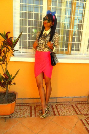 zebra heels - eggshell vintage lacey shirt