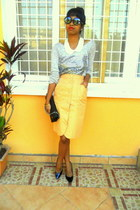 gold buttoned up skirt - periwinkle sequins sweater - black purse - black pumps