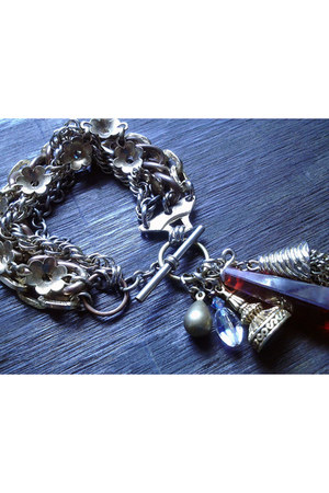 Harlow In Chains bracelet