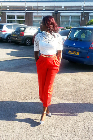 white crochet  lace Sheinside blouse - red culottes escada pants