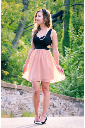 cut out modcloth dress