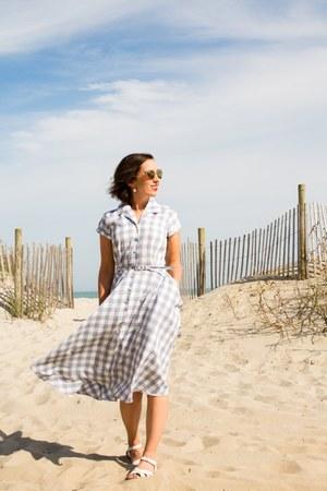 gingham unique vintage dress - white modcloth sandals