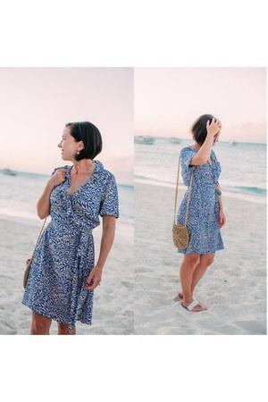 wrap Diane Von Furstenberg dress - crossbody shein bag - shein sandals