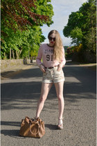 white denim Internacionale shorts - brown plastic H&M sunglasses