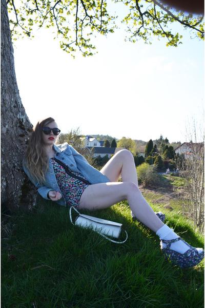 vintage jacket - white vintage bag - tesco socks - H&M sunglasses