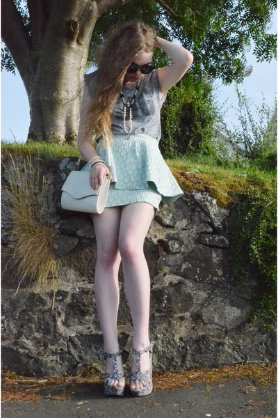 aquamarine asos skirt - white faux leather vintage bag