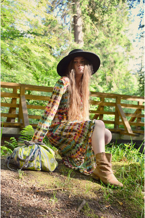 black H&M hat - nude next boots - green Choies dress - chartreuse vintage bag