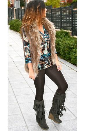 Custo Barcelona t-shirt - Diesel boots - Zara leggings