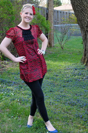 red Forever21 dress - black leggings - blue