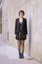 black wool Theory blazer - black Aldo boots - black lace leggings