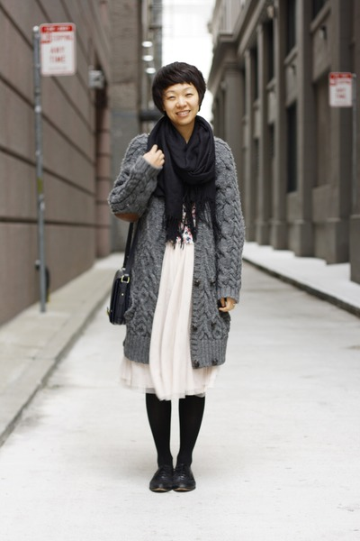 chunky knit Zara sweater - flowy H&M skirt