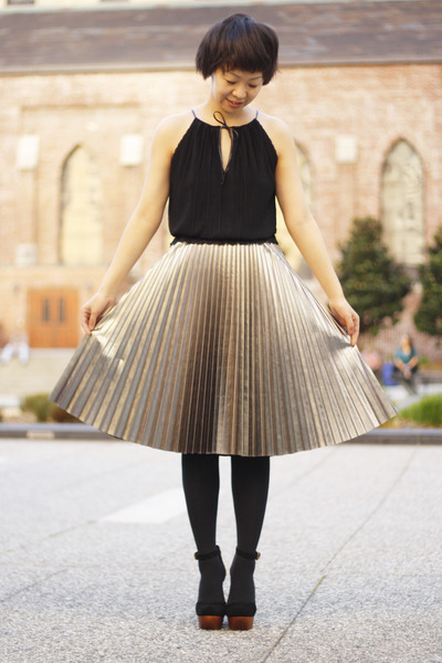 Silver H&M Pleated Skirt | Chictopia