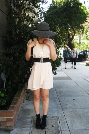 beige H&M dress - black shoes - black Ralph Lauren bag