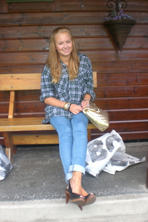 Levis shirt - Bik Bok jeans - Din Sko shoes