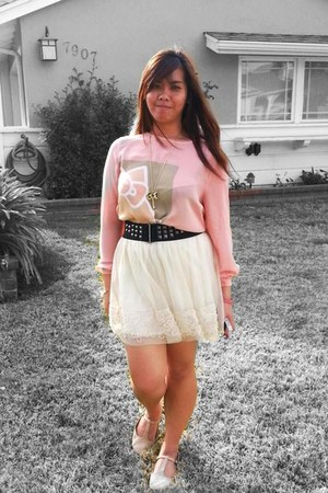neutral shoes - pink shirt - eggshell skirt - light yellow necklace