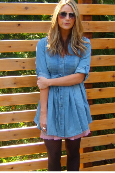 pink skirt - blue dress - gray stockings