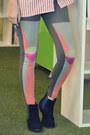 Heather-gray-geometric-print-monki-leggings