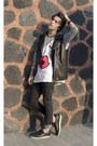 H-m-jeans-gourmet-sneakers-asos-t-shirt-forever-21-vest