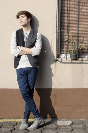 pull&bear boots - asos jeans - pull&bear t-shirt - asos vest