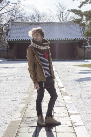 H&M jacket - H&M jeans - Zara scarf - Fubu sneakers - Zara t-shirt - H&M ring