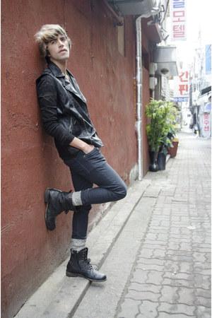 Forever 21 vest - asos boots - H&M jeans - A Land socks - codes combine t-shirt