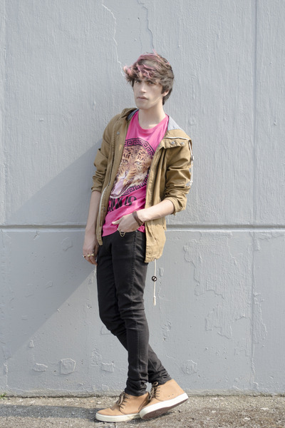 H&M jacket - asos jeans - new look t-shirt - American Eagle sneakers - H&M ring