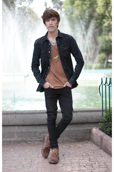 pull&bear t-shirt - Frank Wright boots - asos jeans - H&M shirt - asos necklace