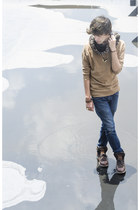 Frank Wright boots - Zara jeans - Pull & Bear sweater - Pull & Bear scarf