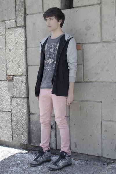 H&M hoodie - asos jeans - pull&bear t-shirt - Adidas sneakers - H&M ring