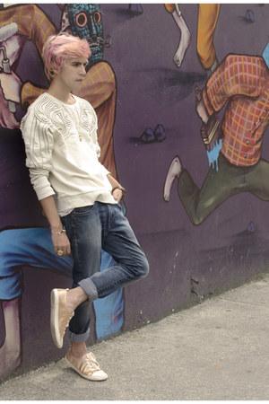 H&M sweatshirt - Zara jeans - H&M sneakers - H&M necklace