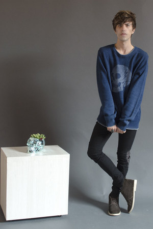 Hecho a mano y mas boots - pull&bear jeans - Deus Ex Machina sweater