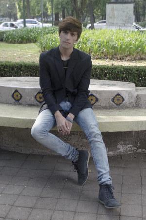 Frank Wright boots - H&M jeans - asos blazer - Lefties t-shirt - coach bracelet
