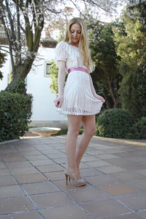 ivory Queens Wardrobe dress - beige Zara heels