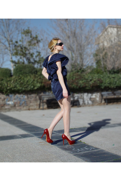 Lanvin for H&M dress - Zara heels - Dolce & Gabbana sunglasses - Stradivarius ne