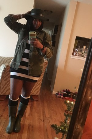 black cotton Forever 21 dress - olive green rain boots shoes