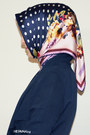 Navy-floral-print-lcw-shirt-navy-dotted-armine-scarf-ivory-hermes-bag