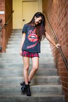 Zara skirt - Jeffrey Campbell boots - Prince Peter t-shirt
