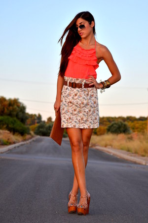 skirt - shirt - sunglasses - heels