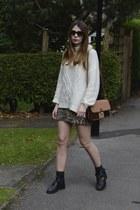 Topshop boots - Zara bag - Prada sunglasses - River Island skirt - H&M jumper