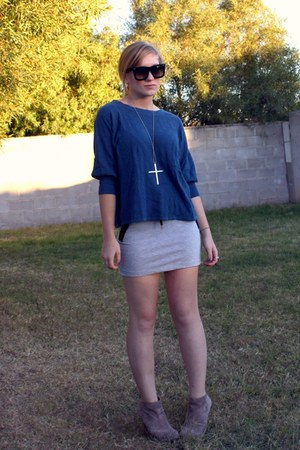silver fashionology necklace - blue f21 - heather gray H&M skirt - light brown a