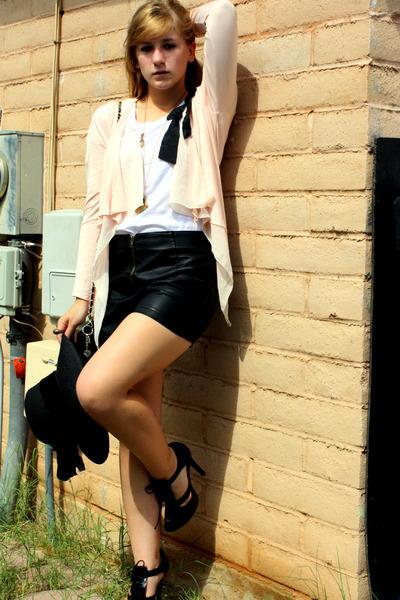 pink Express cardigan - black f21 shorts