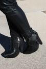 Black-sam-edelman-boots-red-blazer-heather-gray-forever21-sweater-black-fo