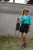 black vintage shorts - green f21 shirt - brown asos shoes - brown f21 purse - bl