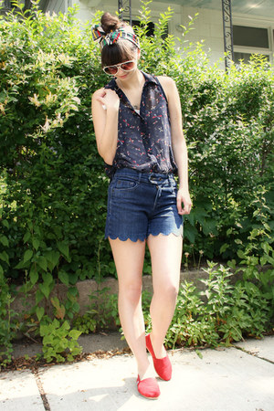 red thrifted scarf - blue Thrifted and DIYed shorts - white Urban Outfitters sun