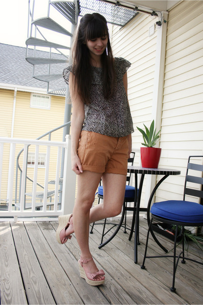 pink Forever 21 wedges - burnt orange JCrew shorts