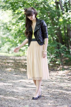 peach Urban Outfitters skirt - black Salvatore Ferragamo shoes
