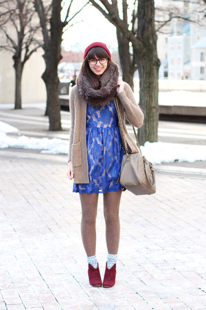 blue modcloth dress - maroon Steve Madden boots - light brown handmade scarf