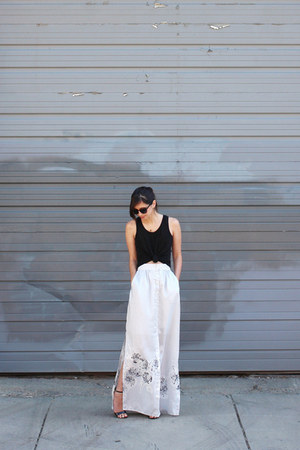 silver handmade skirt - black Loft t-shirt - black Lulus sandals