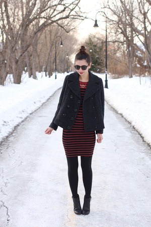 e6bd2e0bc1 black DSW boots - brick red H M dress - black Forever 21 coat