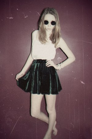 dark green velvet thick Topshop skirt - white cut off thin Target top